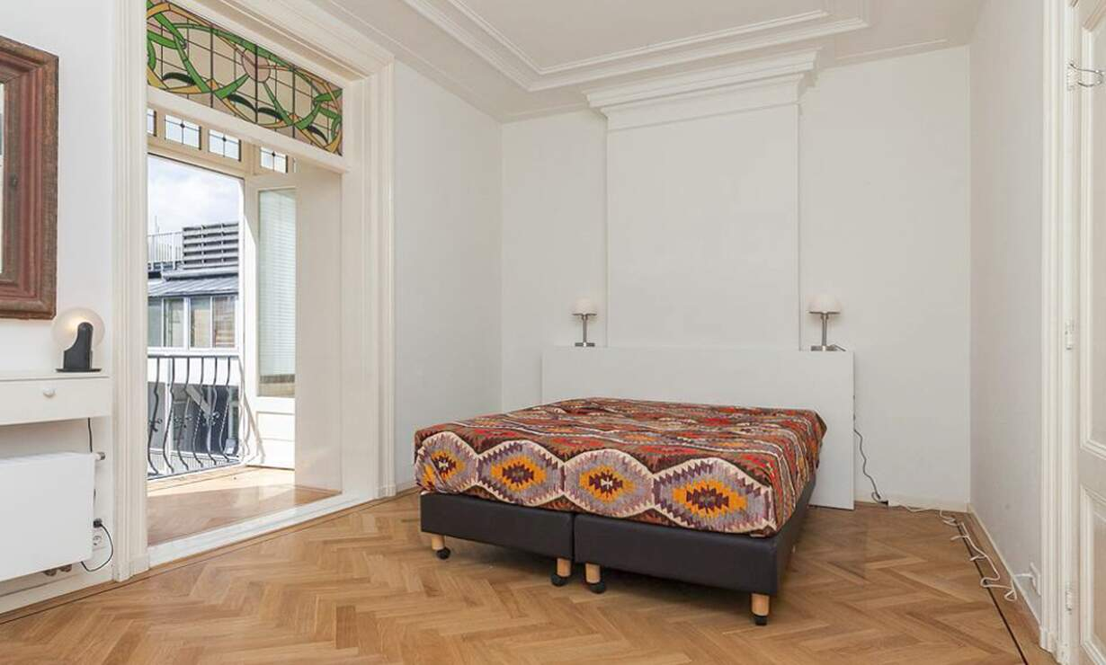 €1,675 / 1br - 70m2 - Furnished 1 Bedroom Apartment Available Now (Amsterdam Vondelpark / Museumqwartier) - Upload photos 12