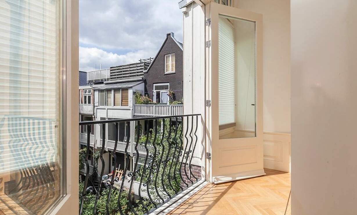 €1,675 / 1br - 70m2 - Furnished 1 Bedroom Apartment Available Now (Amsterdam Vondelpark / Museumqwartier) - Upload photos 15