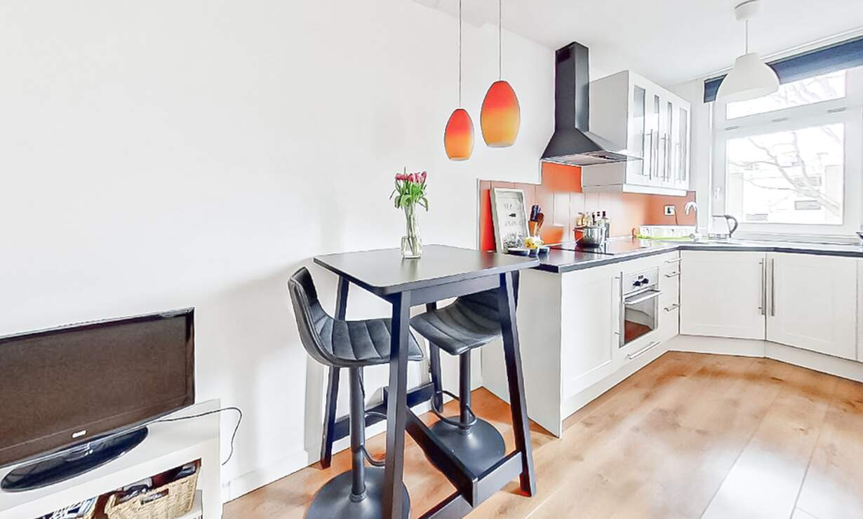 €1,275 / 1br - 50m2 - Furnished 1 Bedroom Apartment from 6 April (Amsterdam Wibautstraat) - Upload photos 2