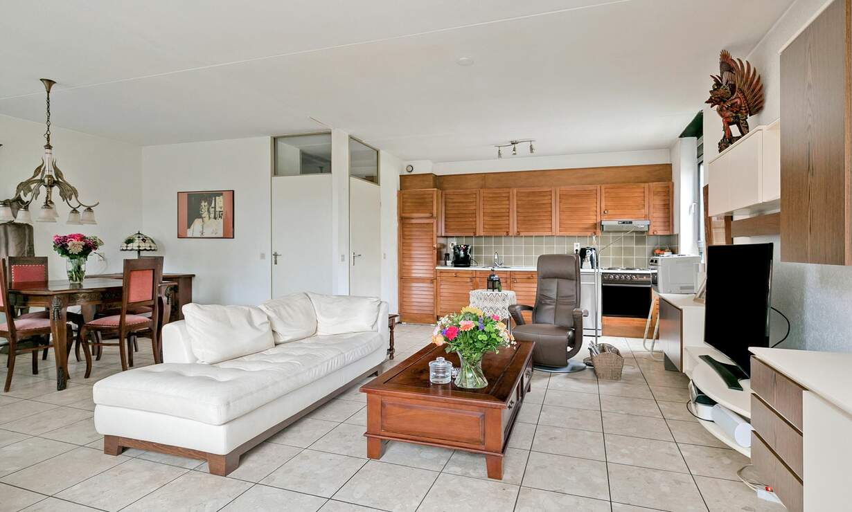Spacious 2 bedroom apartment with a huge patio - Including utilities, basement and underground parking! - Upload photos 10