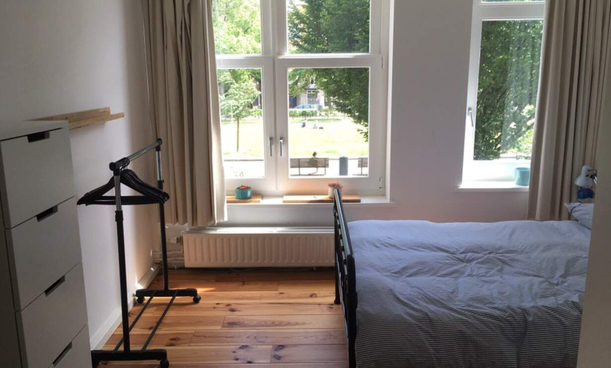 Bright and spacious apartment Amsterdam Oud-Zuid - Upload photos 2