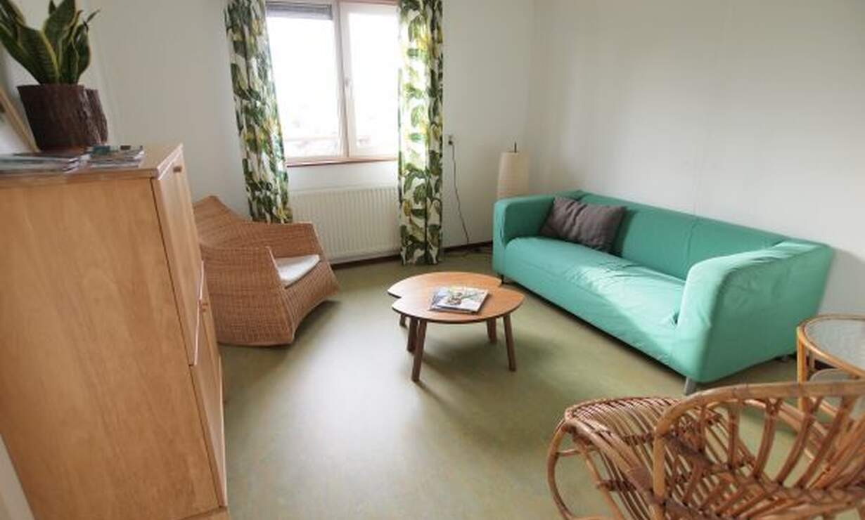 3-bed room apartment, free parking