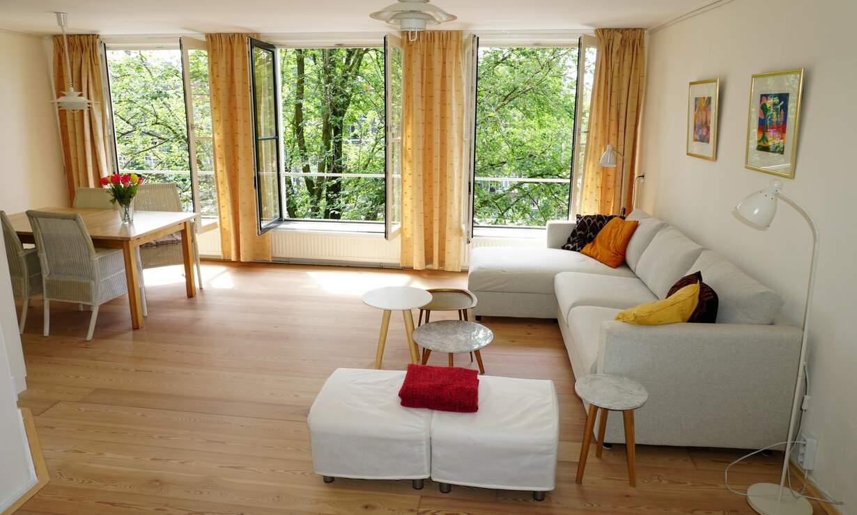 Apartment in 17th century Canal House - stellar view (with workplace)  - Upload photos 5