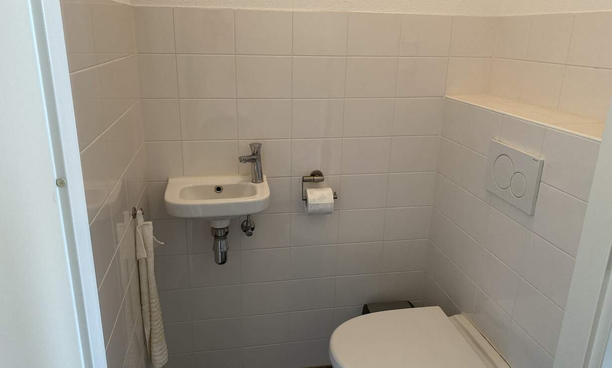 Fully furnished 3 room apartment 76m2 available from 1st of October - Upload photos 7