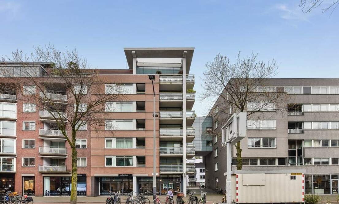 €2,250 / 1br - 125m2 - Unique 1 Bedroom Apartment Available Now (Amsterdam Center) - Upload photos 14