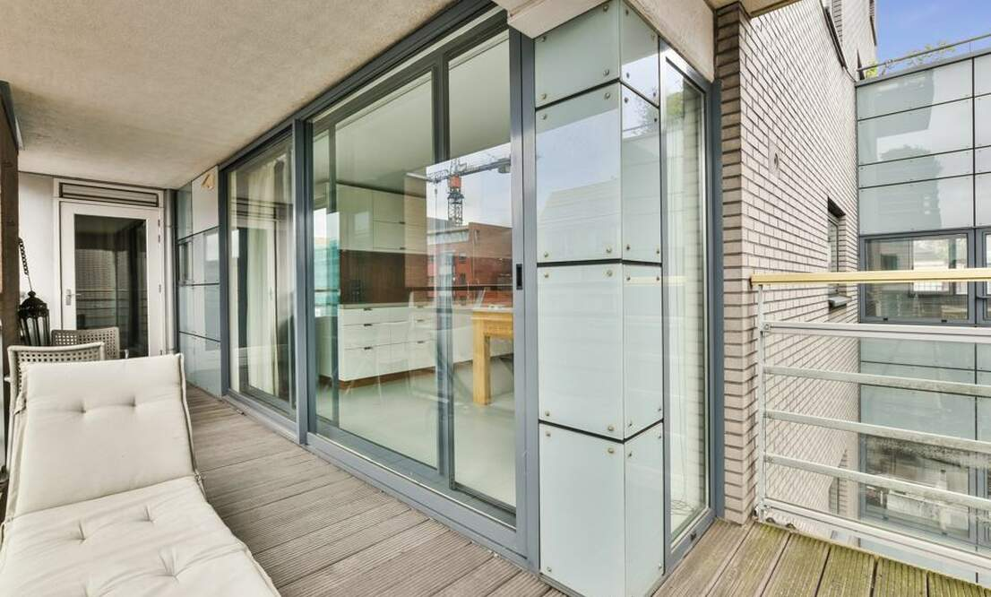 €2,250 / 1br - 125m2 - Unique 1 Bedroom Apartment Available Now (Amsterdam Center) - Upload photos 12