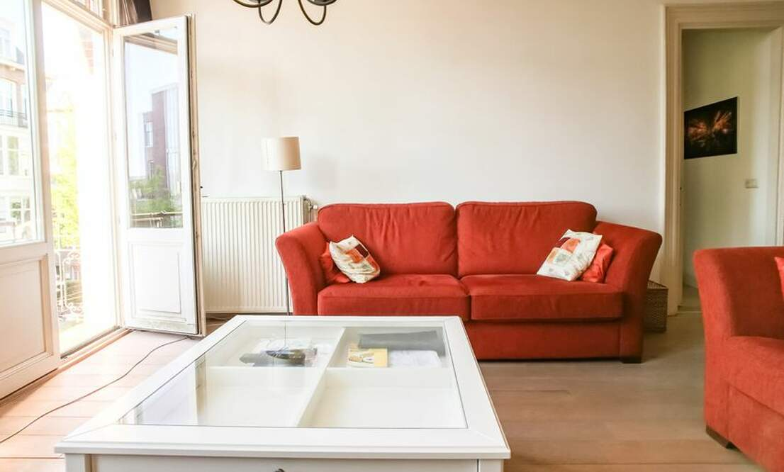 €1,650 / 2br - 75m2 - Furnished 2 Bedroom Apartment from 1 June (Amsterdam Old South) - Upload photos 3