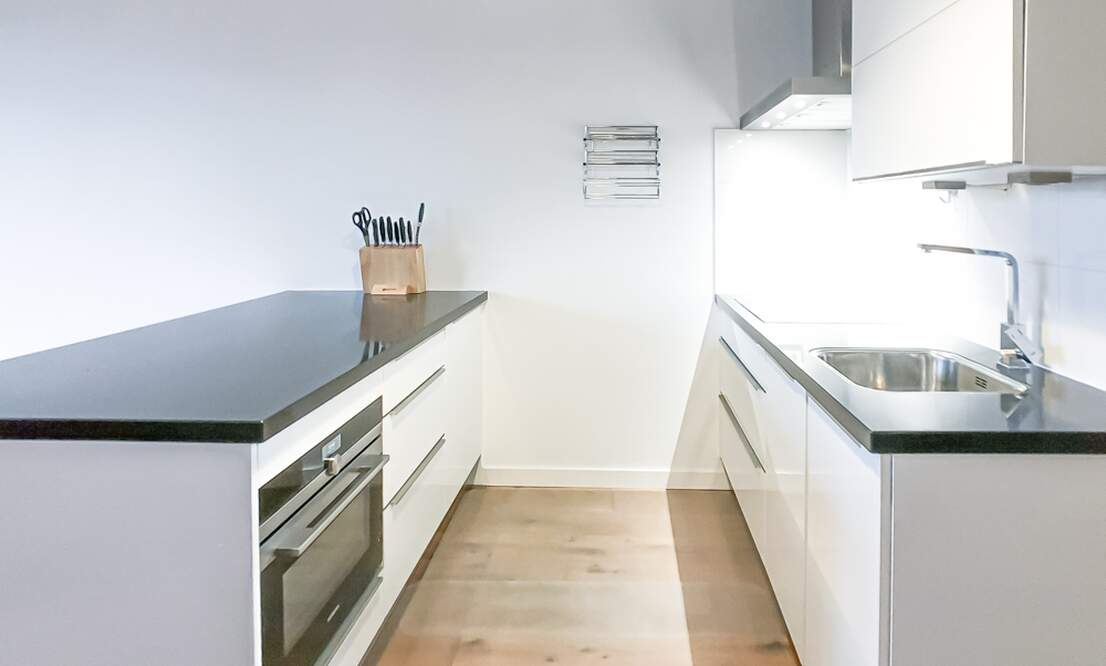 €1,350 / 50m2 - Furnished Studio Apartment Available Now (Amsterdam Houthavens) - Upload photos 3