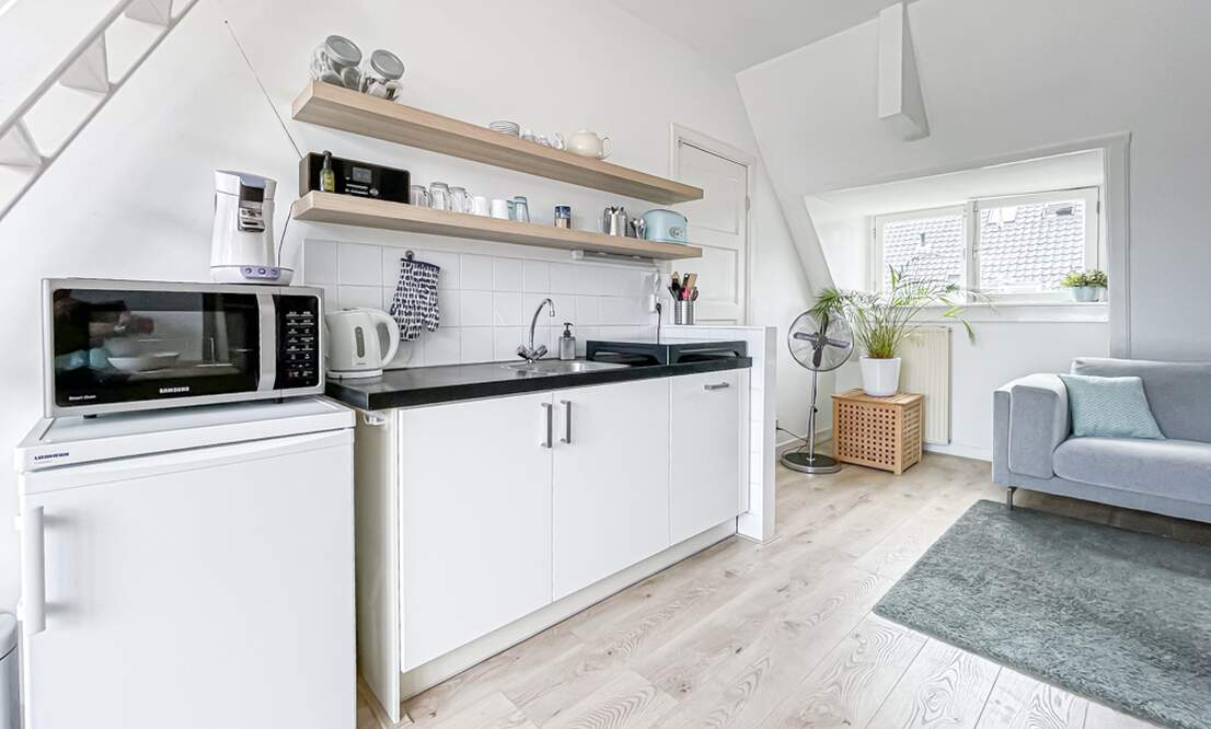€1.300 / 1br - 50m2 - Furnished 1 Bedroom Apartment Available Now (Amsterdam Vondelpark) - Upload photos 4