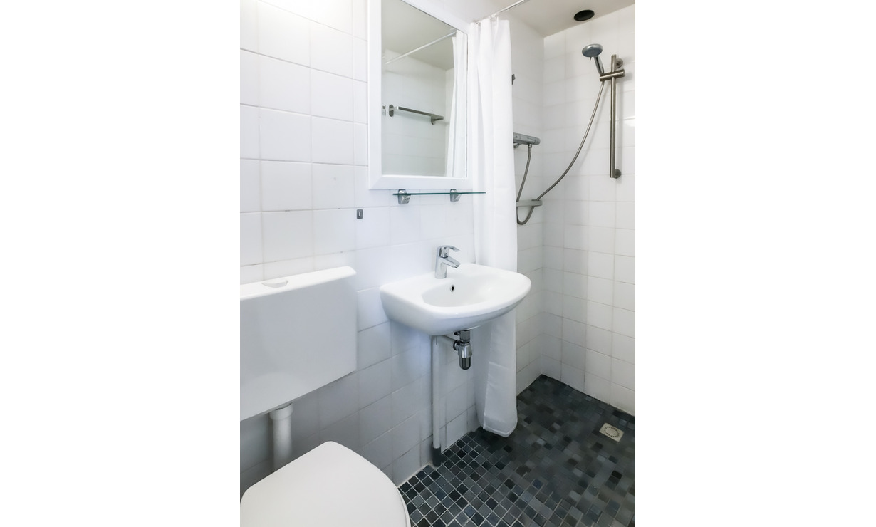 €1,250 / 1br - 30m2 - Furnished Studio Apartment Available Now to 1 Person (Amsterdam Jordaan) - Upload photos 11