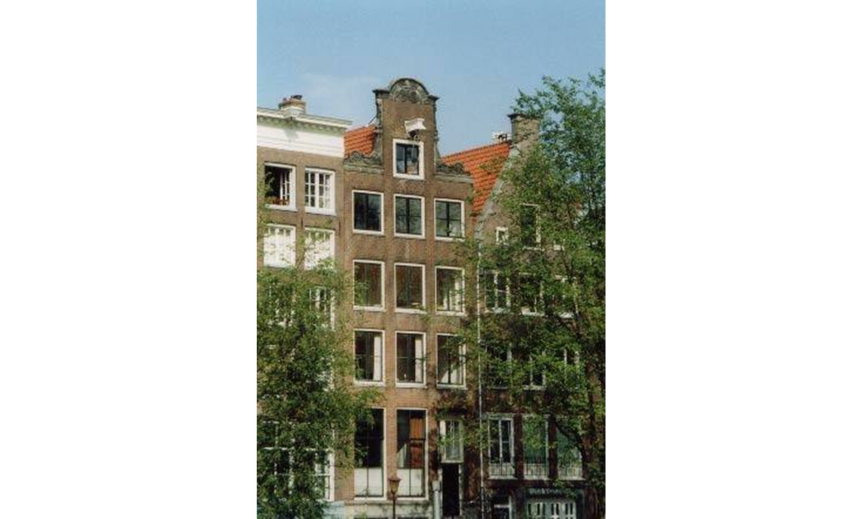 Apartment in 17th century Canal House - stellar view (with workplace)  - Upload photos