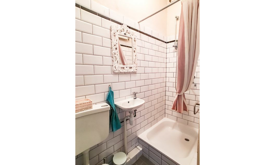 €1,650 / 2br - 75m2 - Furnished 2 Bedroom Apartment from 1 June (Amsterdam Old South) - Upload photos 12
