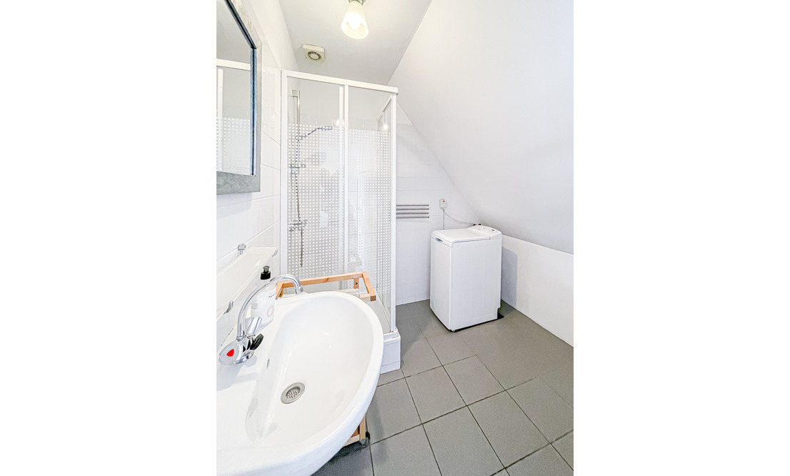 €1.300 / 1br - 50m2 - Furnished 1 Bedroom Apartment Available Now (Amsterdam Vondelpark) - Upload photos 18