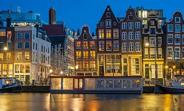 Amsterdam in the global top 6 cities for overpriced housing