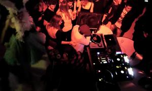 [Video] AMUSE - May 2011