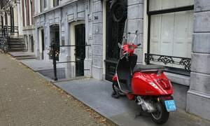 It's started: Fines for scooters on Amsterdam cycle paths