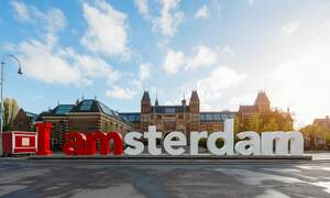 [Video] Amsterdam campaign to stop offensive behaviour