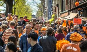 "[Video] How to survive Dutch ""Koningsdag"""