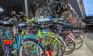 Enormous bicycle storage facility opens in Utrecht