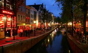 Filthy Amsterdam Red Light District to get cleaning breaks