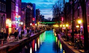 Tours of the Red Light District banned in Amsterdam from April