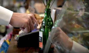 ABN AMRO first bank to try out contactless payment ring