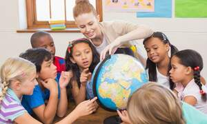 Education of an expat child after divorce