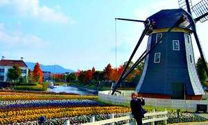 Huis ten Bosch, the Dutch-style theme park in Japan
