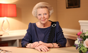 Queen Beatrix abdicates throne, NL gets first king in over 100 years