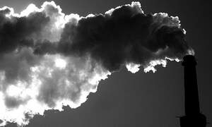Weather & economic crisis curb greenhouse gas emissions