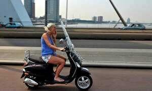 Dutch cities want to ban scooters from bike paths
