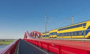 1 in 10 Dutch trains ran late in first quarter of 2015