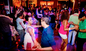 Win two Salsa courses for beginners at Swing Latino in Amsterdam