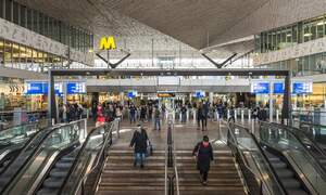 Rotterdam's Metro tries out longer weekend hours