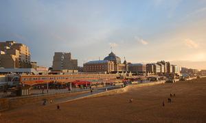 Scheveningen beach clubs to stay open year-round
