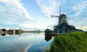 Dutch windmills where you can buy flour and other artisanal products