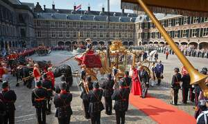 "Prime Minister to review King Willem's ""high"" salary"