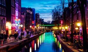 Red Light District closed due to a flood of tourists over the weekend