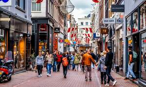 Dutch cities overwhelmed by shoppers hunting for Black Friday deals