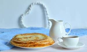 [Video] How to make traditional Dutch pancakes