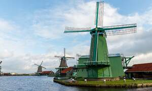 [Video] Stunning drone footage of the Zaanse Schans