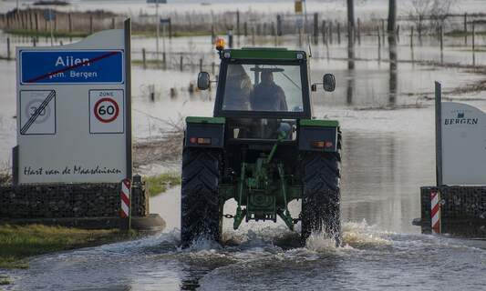 Heavy rain leads to severe flooding and disruption in Limburg