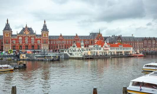 [Video] Coronavirus quarantine has turned Amsterdam into a ghost town