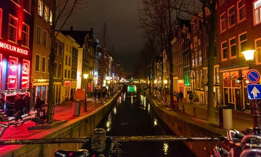 Red-light district guided tours to be banned in Amsterdam