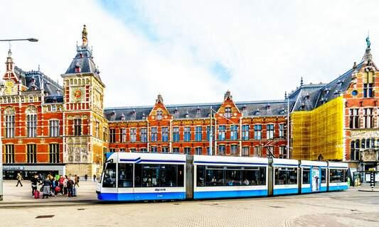 Amsterdam plans to make public transport free for children on certain days