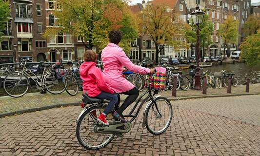Dutch road safety organisation asks parents not to drive their kids to school