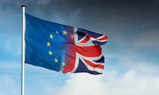 New Brexit information: IND to contact all Brits