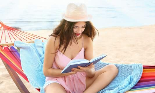 6 English beach reads by Dutch authors