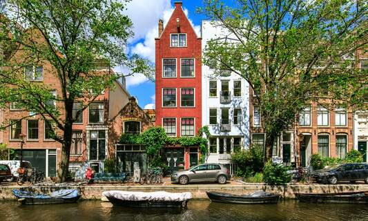 """Is there a """"decent"""" alternative to Airbnb? Amsterdam to investigate"""