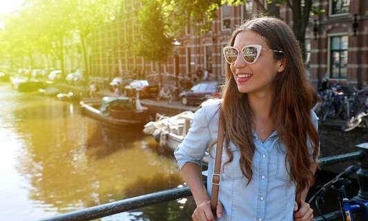 Learn to speak Dutch in the heart of Amsterdam